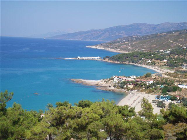 Panoramablick über die Nordküste von Ikaria