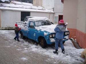 Schneeballschlacht in Christos