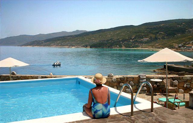 Cavos - kleiner Pool Aussicht