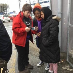 Lesbos Edith und zwei Flüchtlingsfrauen