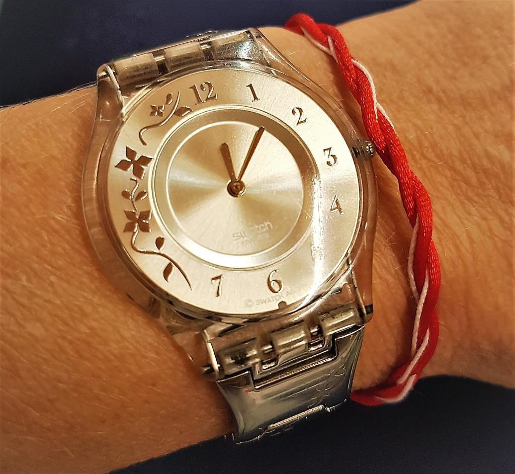 Armbändchen mit Uhr